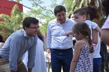 Arroyo y Ghi estuvieron en la entrega de tarjetas AlimentAR en Morón